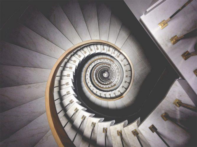 Treppe nach unten Mediation München